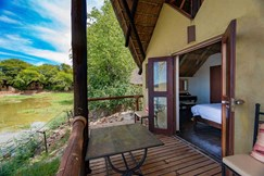 lodge with standard chalets which accommodates 2